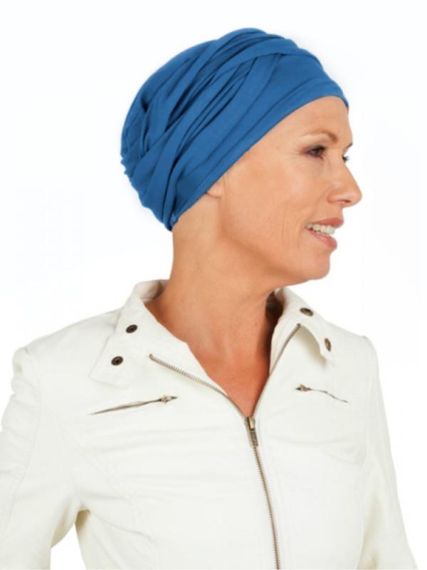 Top PLUS blauw - chemo mutsje / alopecia mutsje - van Mooihoofd specialist in chemomutsjes -EN