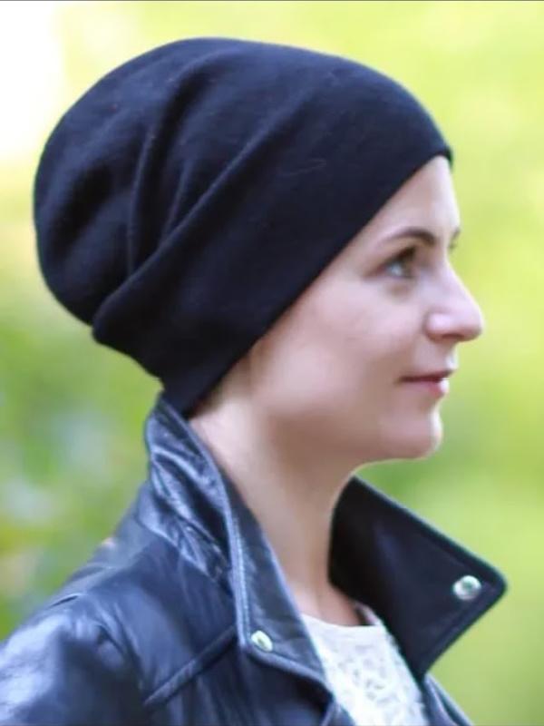 Muts Tili zwart Kashmir - winter chemo muts / alopecia muts - EN